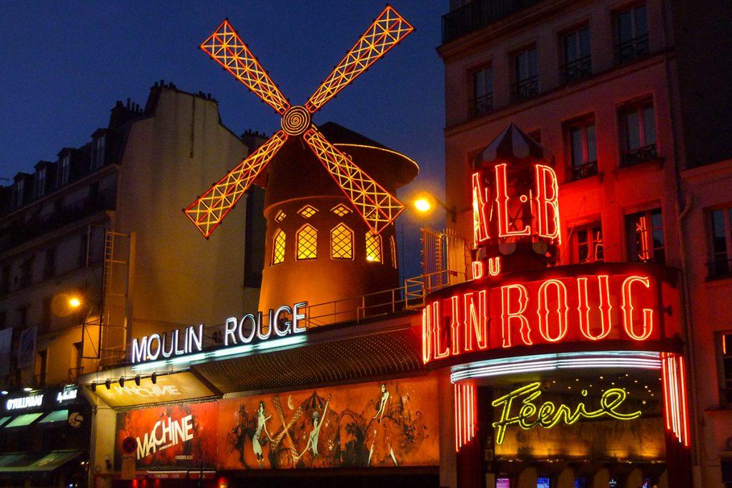 ท่องสีสันยามราตรีระหว่างเที่ยวปารีส