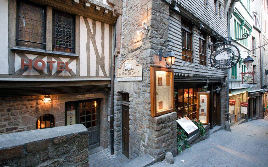 Mouton Blanc Hotel