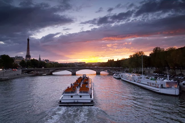 ท่องเที่ยวปารีส 10 สถานที่ท่องเที่ยวในปารีส ที่ห้ามพลาด!