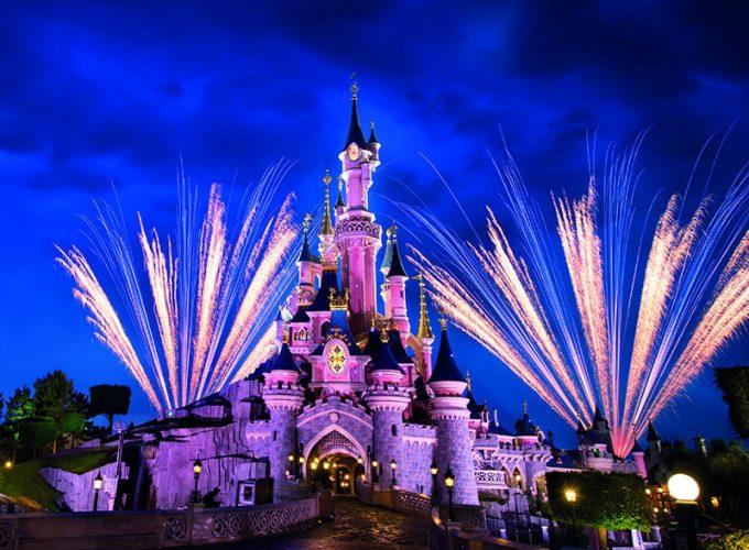สวนสนุกดิสนีย์แลนด์ ปารีส (Disneyland Paris)