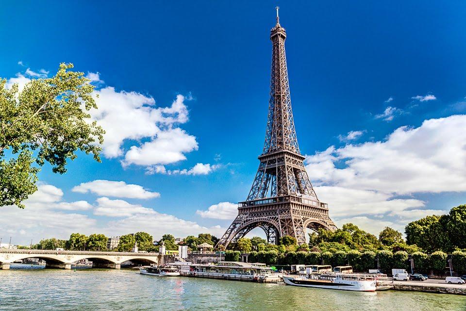 10 สถานที่ท่องเที่ยวในปารีส ที่ห้ามพลาด!