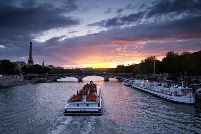 ล่องเรือในแม่น้ำเซน